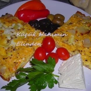 Patatesli ve Soğanlı Omlet
