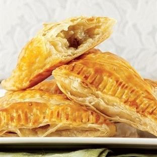 Patlıcanlı milföy börek