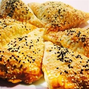 Peynirli Milföy Böreği Tarifi (Adım Adım Resimli)