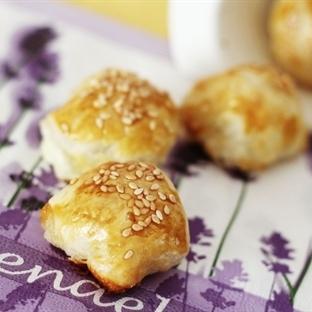 Peynirli Mini Milföy Topları