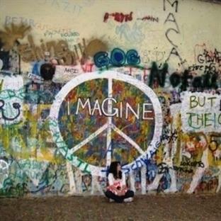 Prag Gezisi: Gerçek içinde masal
