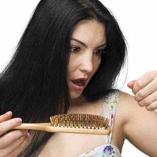 Saç Dökülmesini Engellemek İçin Ev Yapımı Bitkisel