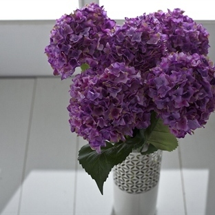 Saksı Ve Yapay Çiçek Modelleri