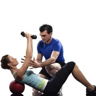 Spor salonu mu iyi bir eğitmen mi?