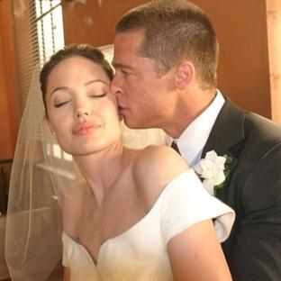 Angelina Jolie ve Brad Pitt'in muhteşe düğünü