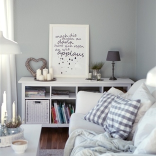 <span>Wohnzimmer Makeover -</span><br /><span>Alles neu und grau</span><br />