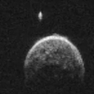 Asteroit Dünya'nın Yakınından Geçti!