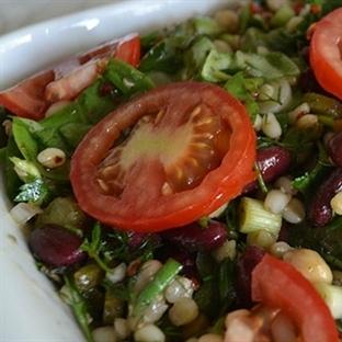 Aşurenin salatası mı olur?
