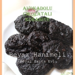 Avokadolu çikolatalı kurabiye