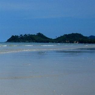 Bembeyaz Kumsallarıyla Koh Chang Adası