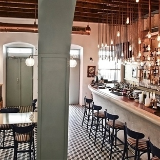Input Creative Studio'dan LOS Symi Bistro Bar