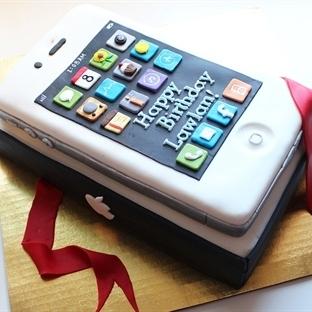 iPhone Bir Yaşına Daha Girdi