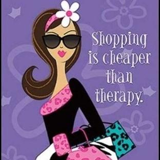 Kadın Dediğin Alışverişte Bellidir!