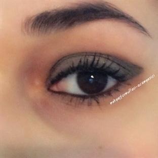 Kolay Smokey Eye Nasıl Yapılır?