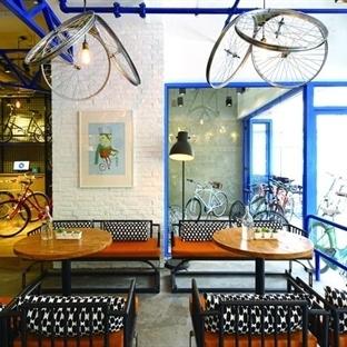 Kyle Chan Design'dan Şangay'da Yong Jiu Bike Café