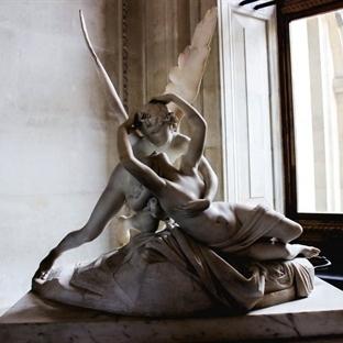 Louvre Müzesi'nde Görmeniz Gereken Heykeller..
