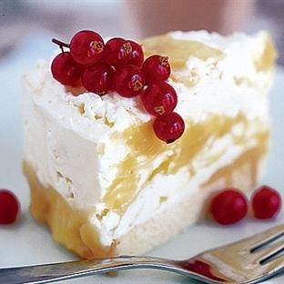 Meyve Kremalı Kek Tarifi