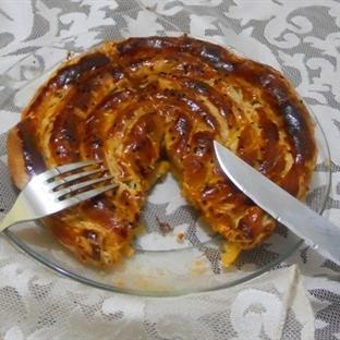 Milföy Hamurundan Pırasalı Gül Böreği Tarifi