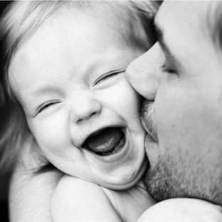Neden Kız Çocukları Babalarını Daha Çok Sever?