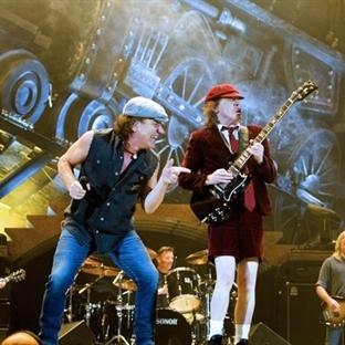 Rock müziğin efsaneleri yeni albümüyle aramızda!