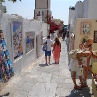 Santorini Adasında Alışveriş