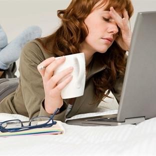 Sürekli internetten hastalık arayan insanlar