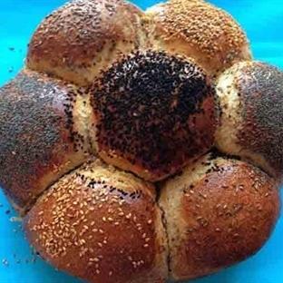 Tam Buğday Unundan Çiçek Ekmek