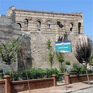 Tekfur Sarayı İstanbul'un büyülü mekânı