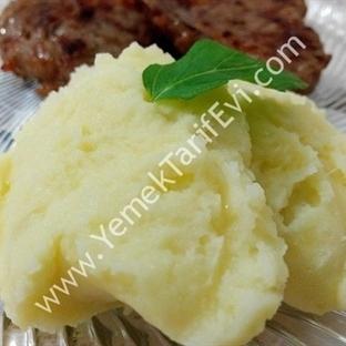 Tereyağlı ve Kaşarlı Patates Püresi Tarifi