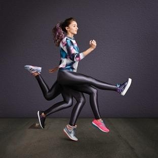 Tüm kadınlar sneaker giymenin manifestosunu yazıyo