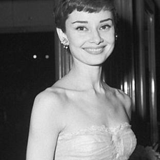 Ünlü Moda İkonlarından Audrey Hepburn