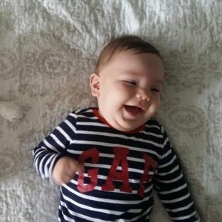 Bebeğinize Gülmeyi Öğretebilirsiniz!