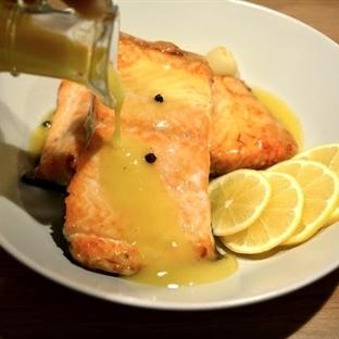 Beurre Blanc Soslu Somon Balığı