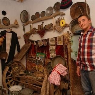 Bursalı Lise Öğrencisi Köy Müzesi Kurdu