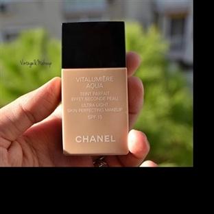 Chanel Vitalilumiere Aqua Fondöten