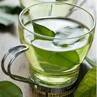 Daha Pürüzsüz Ciltler İçin Yeşil Çay Maskesi