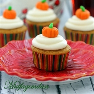 Kahverengi Tereyagi ve Balkabakli Cupcakeler