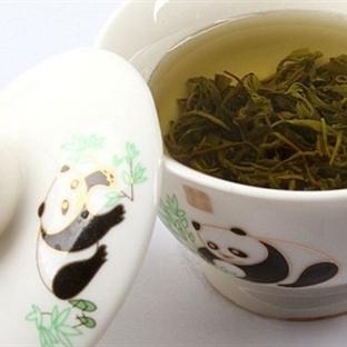 Kendinize Yeşil Çaydan Cilt Serumu Yapın