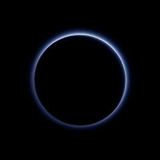 New Horizons Plüton Mavi Gökyüzü ve Buz Keşfetti
