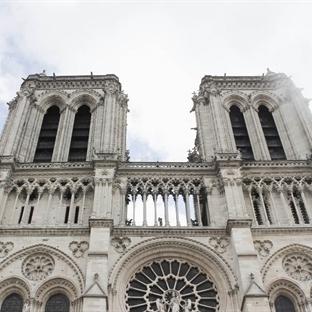 Paris'te Özel Bir Katedral 'NOTRE DAME'