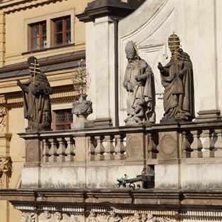 Prag'da 5 Gece - Bölüm I