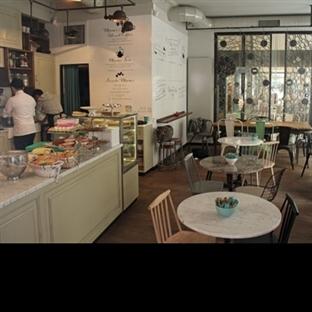 """İstanbul'da İsveçli Bir Kafe """"Mums"""""""