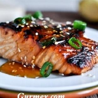 Susam ve Bal Soslu Somon Balığı