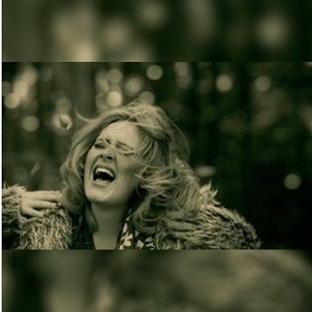 Yine Yeni Yeniden... Adele!