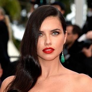 Yüz Seklinize Göre Doğru Saç Modeli