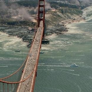 "2015 Aksiyon Film Önerisi: ""San Andreas Fayı"""