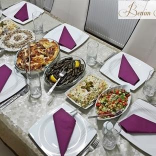 Bir Akşam Yemeği Masası Hikayesi