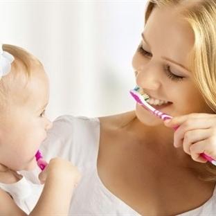 Bebeklerde Diş Temizleme Yöntemleri