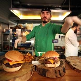 Burger Festivalinde Yaklaşık 10 Bin Burger Yendi
