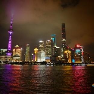 Çin'in Kalabalık Şehirlerinden Shanghai